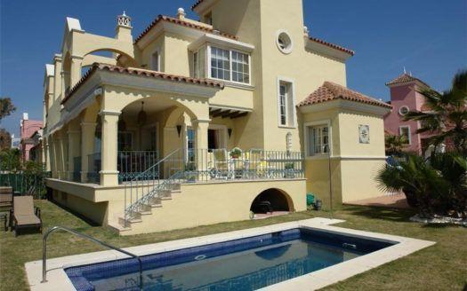 ARFV1196 - Exclusiva villa en venta en Lorea Playa in Puerto Banus
