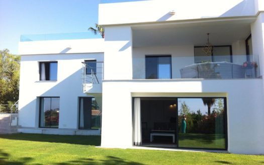 ARFV2073 - Llave en mano villa moderna en venta en Nueva Andalucía en Marbella