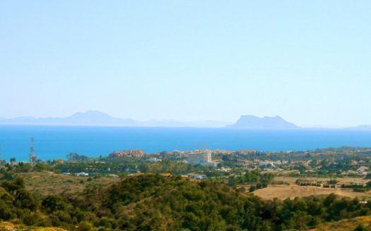 Excelentes terrenos para construir en La Panera en Estepona con vistas panorámicas
