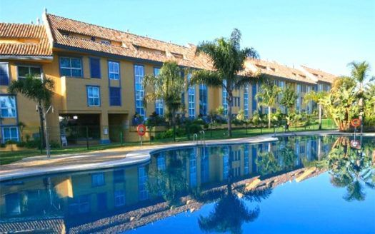 ARFA977 - Apartamento amueblado en venta en Bahía de Marbella en Marbella en la playa