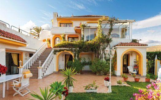 ARFV1656 - Villa familiar en venta en Nueva Andalucía