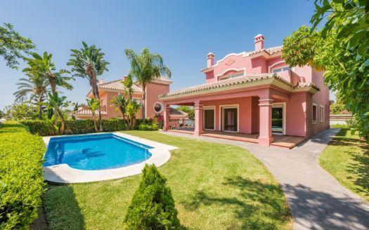 ARFV1847 - Se vende nueva villa en Guadalmina Alta en San Pedro de Alcántara
