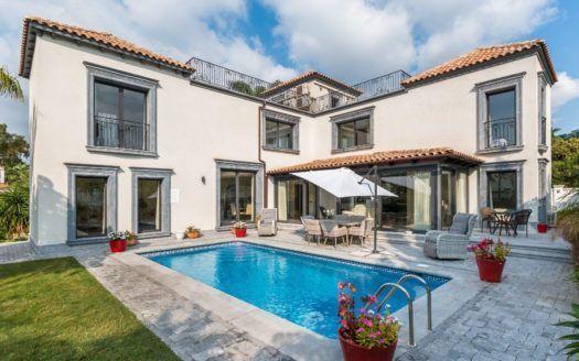ARFV2034 - Elegante villa en venta en Nueva Andalucía en Marbella