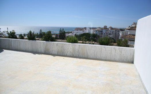 ARFA720 - Apartamentos y áticos en venta en Playas del Duque en Puerto Banus