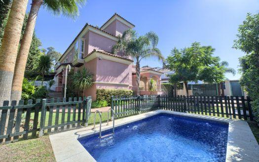 ARFV1740-555 - Villa exclusiva en venta en Lorea Playa en Puerto Banus