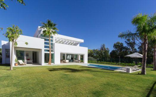 ARFV2032 - Villa de nueva construcción en venta en Casasola en San Pedro de Alcántara