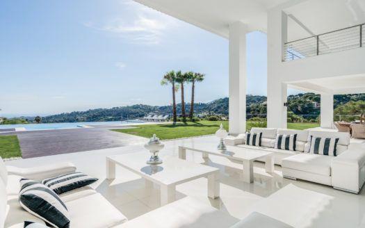 ARFV1972 - Impresionante nueva y moderna villa en La Zagaleta Golf & Country Club en Benahavis