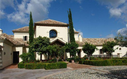 ARFV1284 - Villa lujosa en venta en La Zagaleta en Benahavis