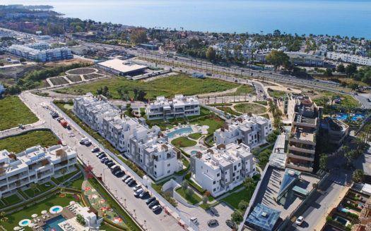 ARFA1344 - Nuevos apartamentos en venta con vistas parciales al mar en la playa y la ciudad cerca de Cancelada en Estepona