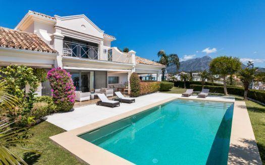 ARFV2061 - Se vende villa renovada con vistas panorámicas al mar en La Quinta