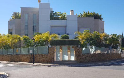 ARFV1696 - Villa en venta en Bahia de Marbella en Marbella