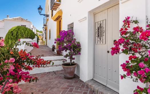 ARFTH161 - Beautiful townhouse for sale in Las Lomas de Marbella Club Pueblo in Marbella
