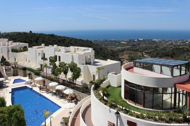 ARFA1383 - Hermoso apartamento con vistas al mar en Altos de Los Monteros en Marbella en venta