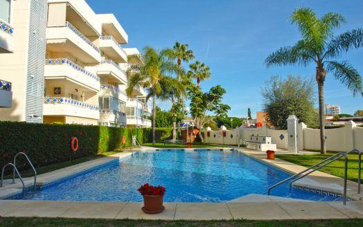 ARFA1384 - Apartamento en venta en la zona de la playa de Las Chapas en Marbella