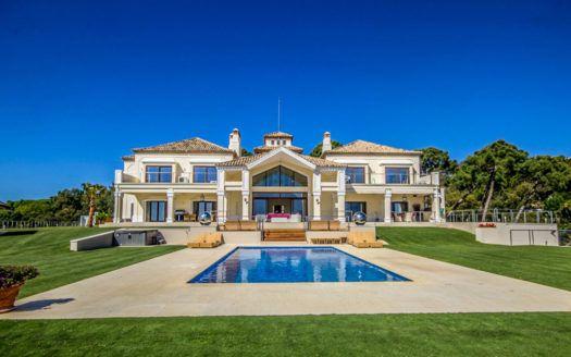 ARFV2136-326 - Increíble villa en venta en La Zagaleta cerca de Marbella