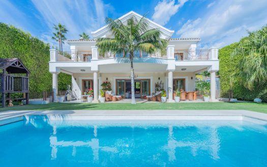 ARFV2134 - Fantástica villa en venta en Casablanca en la Milla de Oro de Marbella