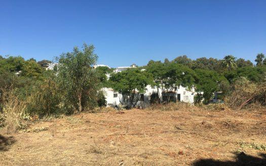 ARFP465 - Terreno en venta con proyecto en la zona de la playa de Elviria en Marbella