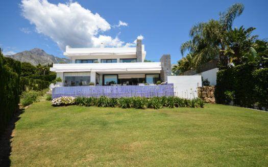 ARFV2151 - Moderna villa en venta en Nagüeles en la Milla de Oro en Marbella