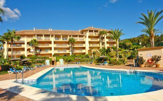 ARFA1272 - Muy atractivo apartamento de golf en venta en Río Real en Marbella