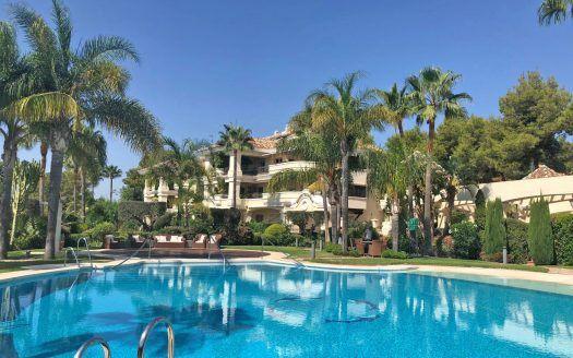 ARFA A1402 - Apartamento de lujo en venta en Monte Castillo en Alto Reales en Marbella