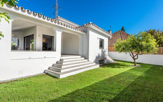 ARFV2126 - Moderna villa urbana en venta en Marbella
