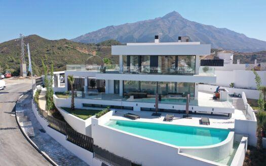 Villa moderna de nueva construcción en Nueva Andalucía en Marbella