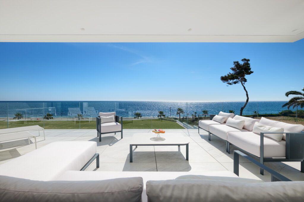 ARFA1411-362 Apartamento en primera línea de playa en venta en la mejor ubicación