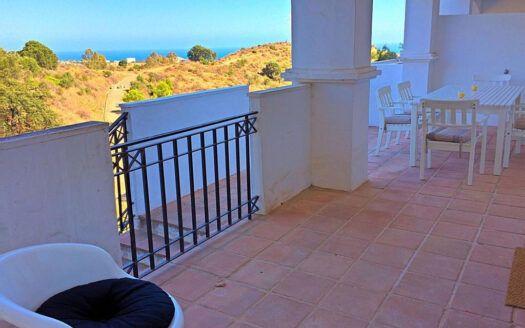 ARFA1409 - Apartamento con vistas al mar en el Pueblo de Los Monteros en Marbella