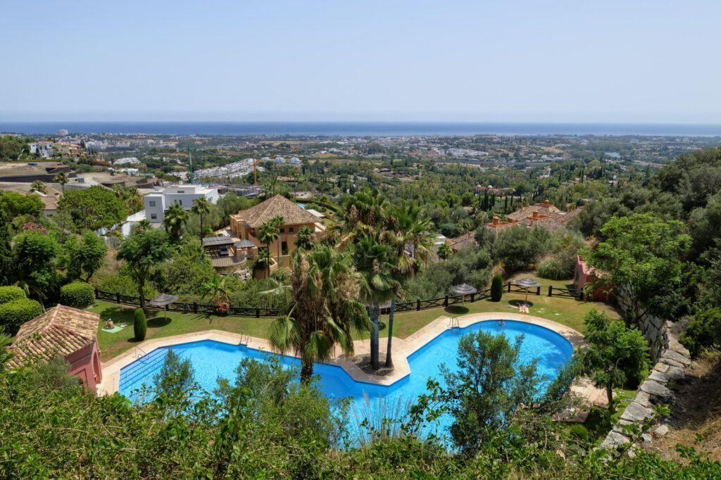 ARFA1413-355 Apartamento de jardín con fantásticas vistas al mar cerca de Marbella en venta