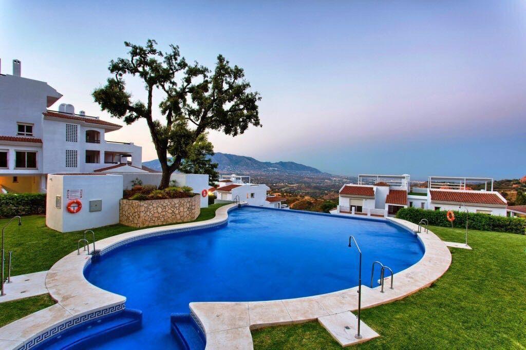 ARFA1417 - Apartamento con impresionantes vistas panorámicas y jardín privado en venta en La Mairena