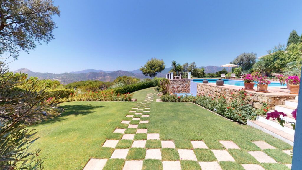 ARFV2172 - Excepcional villa amueblado de estilo campestre situada en La Zagaleta
