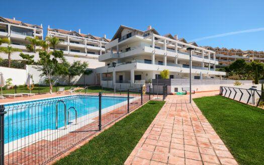 ARFA1427-333 Apartamento en planta baja con vistas al mar en Ocean Hills en Estepona