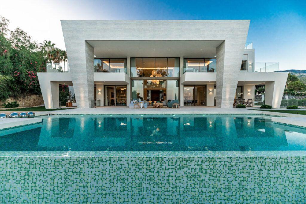 ARFV2180 Villa imponente y moderna en venta en Sierra Blanca