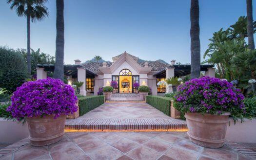 ARFA2190 - ¡Esta no es la típica mansión de Sierra Blanca...