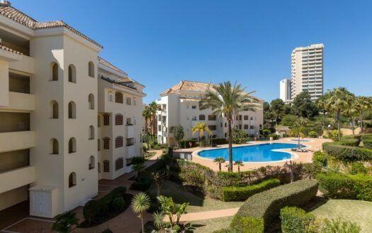 ARFA1438 - Precioso apartamento de playa en venta en Elviria en Marbella