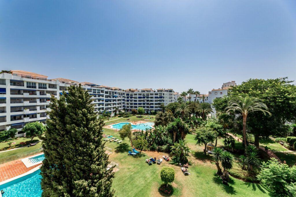ARFA1440-1  Fantástico piso de 3 dormitorios en Jardines del Puerto en Puerto Banús - Marbella