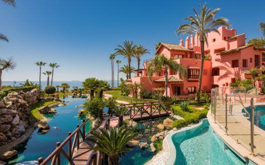 ARFA1452-384 Apartamento con jardín en primera línea de playa