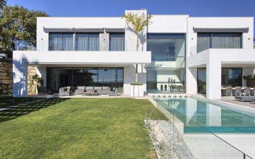 ARFV1951-210 - Ultramoderna villa en venta en La Alqueria en Benahavis